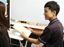 生理痛専門治療の問診風景|大分県中津市わいわい整骨院・整体院