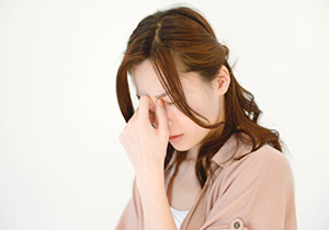 ストレスを抱える女の人