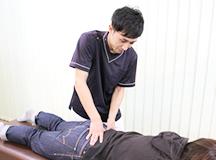 生理痛専門治療の治療風景|大分県中津市わいわい整骨院・整体院