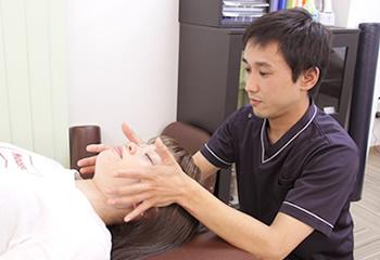 わいわい治療院の頭痛施術イメージ